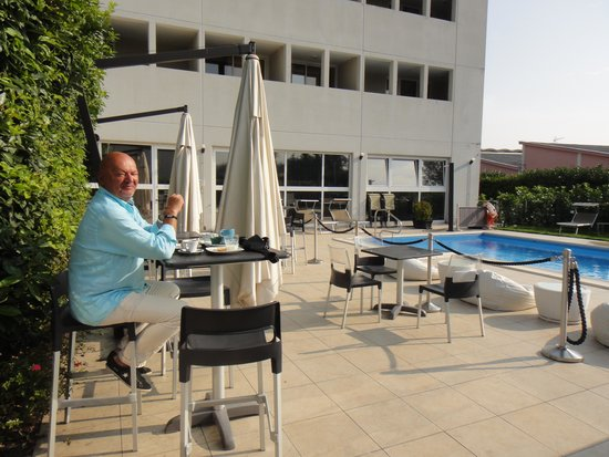 Best Western Hotel Farnese: L'espace piscine