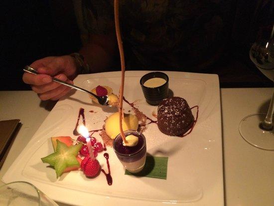 Dinner Bar & Restaurant: En delikat og smakfull desertkomposisjon