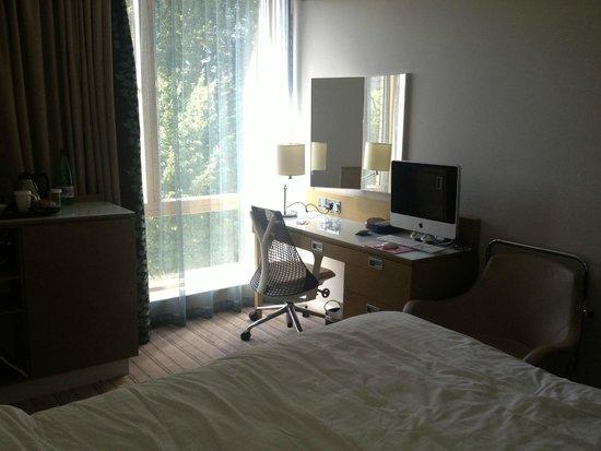 Hilton Garden Inn Bristol City Centre: The actual room we got!