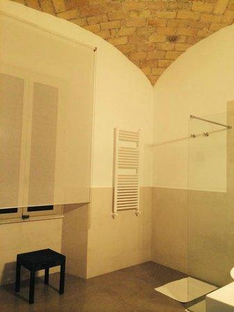 La Finestra sul Colosseo B&B: Bathroom