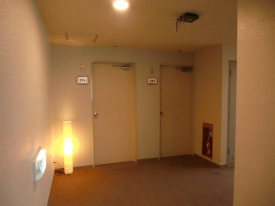 部屋の前 - 京都市、春夏秋雪 京の宿 ギオン福住の写真 - トリップアドバイザー