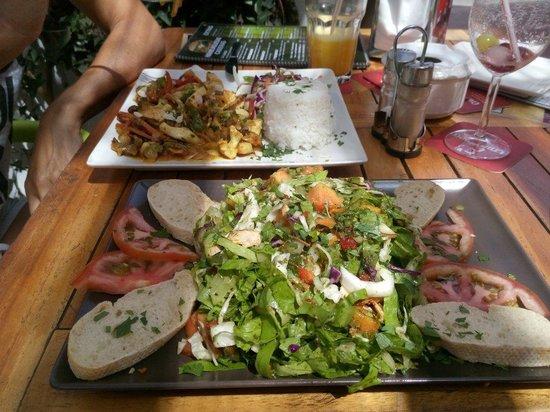 Citrus Surf Cafe: The so fresh Hey Pesto salad. Delicious...