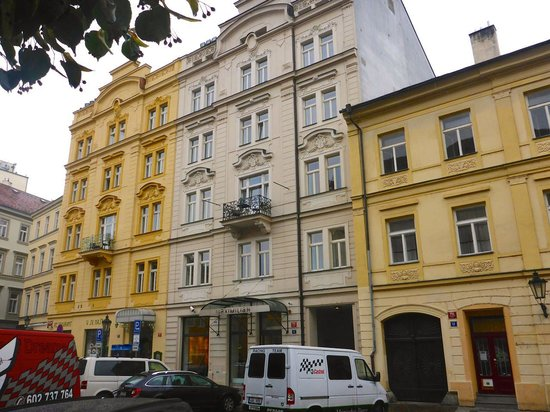 Maximilian Hotel : Hotel Exterior