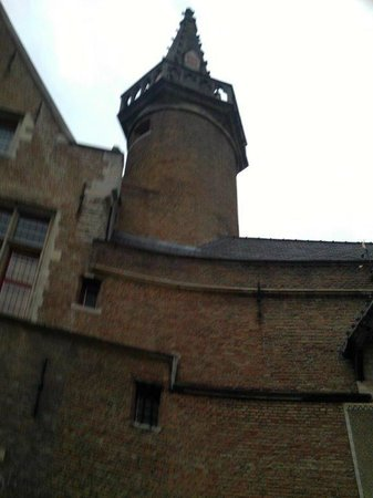 Bladelin House (Hof Bladelin)