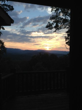 Mountain Top Cabin Rentals: Fabulous sunset view from Grand View Lodge