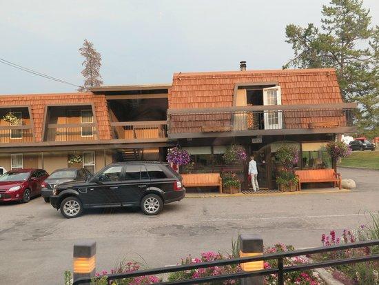 Tonquin Inn : Vista dos quartos