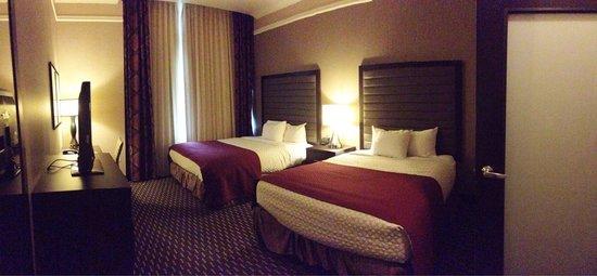 Embassy Suites by Hilton St. Louis - Downtown: Bedroom. Super comfy!