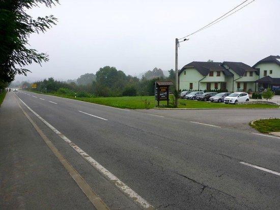 Vila Cancar : 400 meters from junction