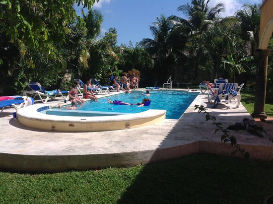 Casa Colonial: Poolside