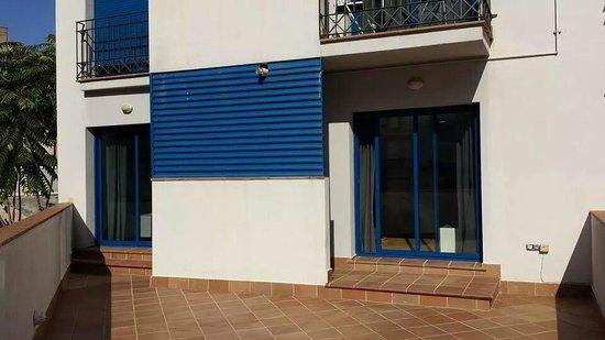 Sealand Apartments: Terrace entrance