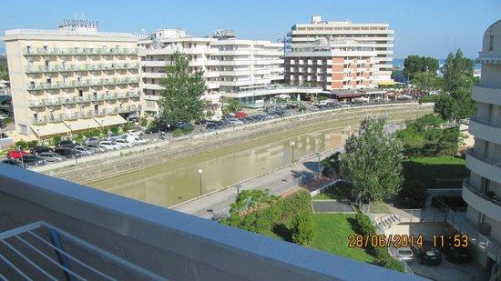... сбалкона на канал - Foto di Hotel Acapulco, Cattolica