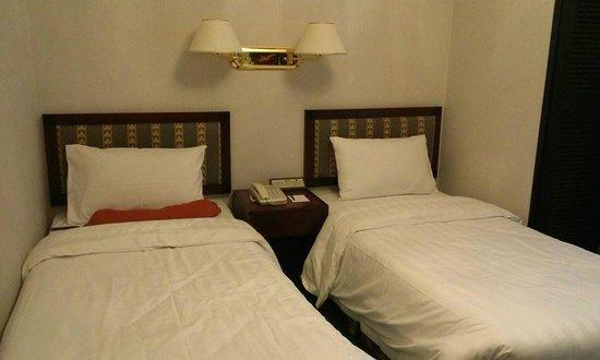 Shamrock Hotel : bedroom