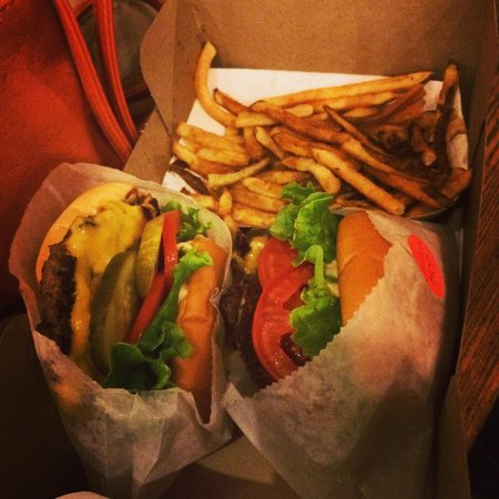 Shake Shack Theater District: Burgers & fries