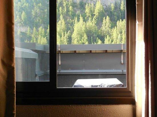 Hotel Club du Soleil Les Bergers : le toit terrasse occutant la belle vue sur les Alpes