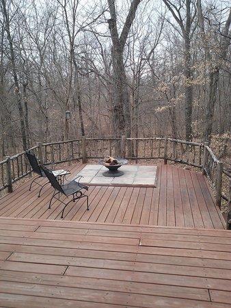 Woodland Cabins: Amazing deck!
