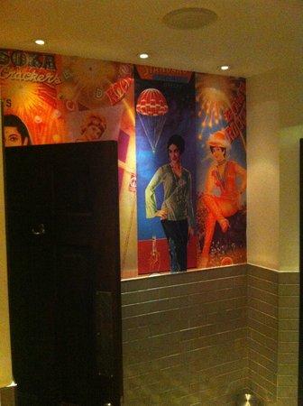 Dishoom Covent Garden : Gents toilet