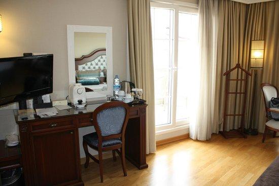 Recital Hotel: Superior Room