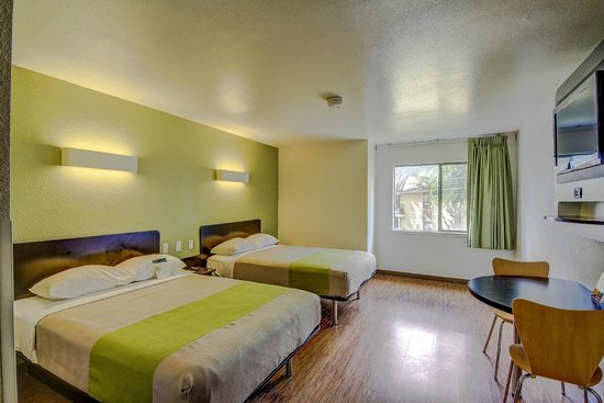 Non Smoking Two Full Beds Room Picture Of Motel 6 San