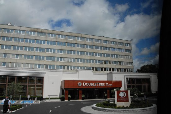 Clayton Hotel Burlington Road: Entry Court for Doubletree Dublin