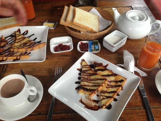 Tropical Bali Hotel : Petit déjeuner Français