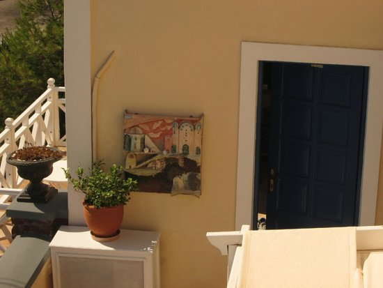 Hotel Thira and Apartments: Hotel Thira - art work