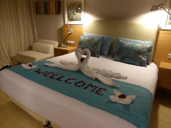 Holiday Village Rhodes: Our Romantic Welcome