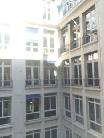 Hotel Daunou Opera: 中庭の眺め