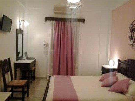 Astir Thira Hotel: The room