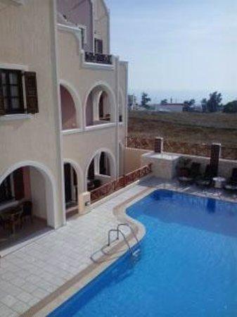 Astir Thira Hotel: The pool