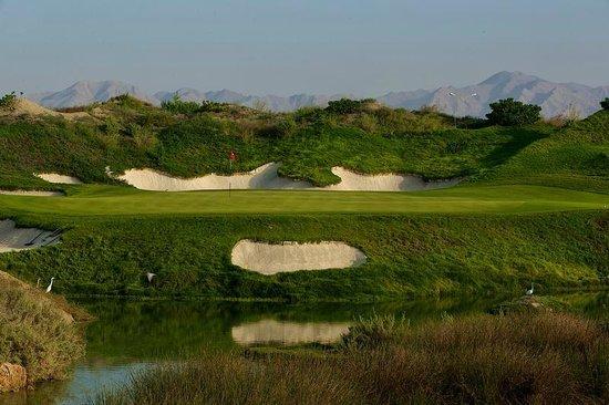 Almouj Golf : Al Mouj Golf