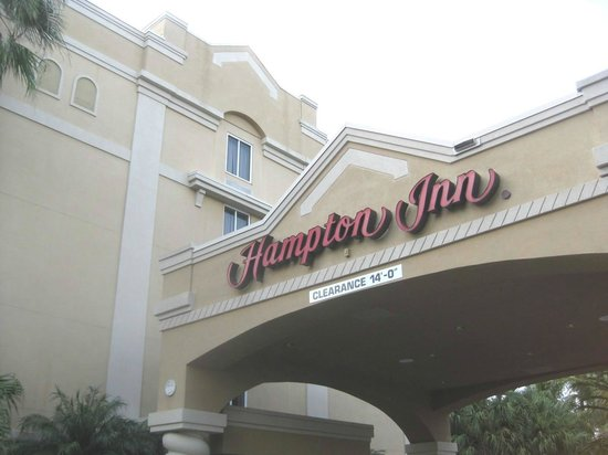Hampton Inn Ft. Lauderdale Plantation: Front entrance