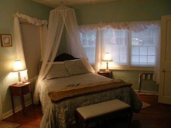 Park House Inn B&B: Susan B Anthony suite