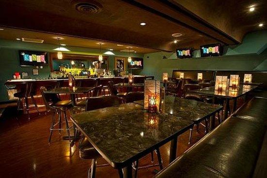 Kings Dining & Entertainment Back Bay: Kings Royal Lounge
