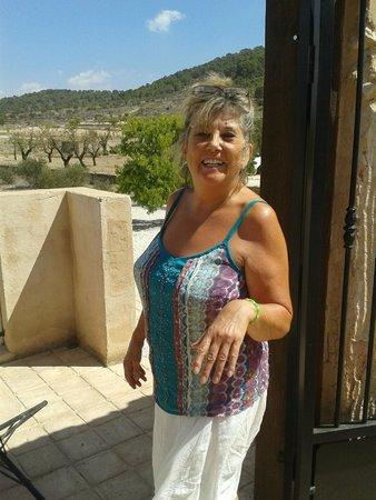 The Olive Tree: Ejeren Jen, usædvanlig venlig og imødekommende