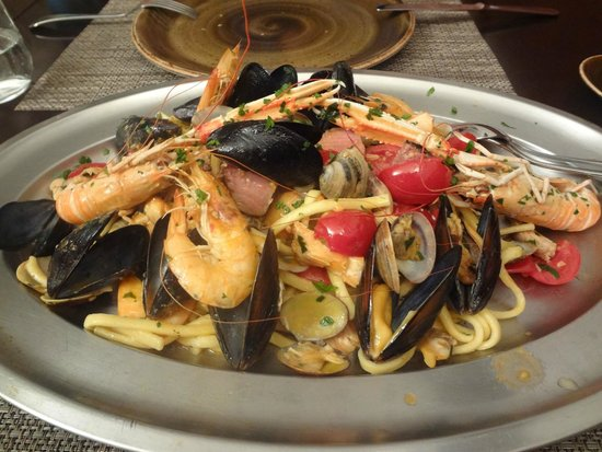 Michel'angelo : Homemade pasta with seafood.