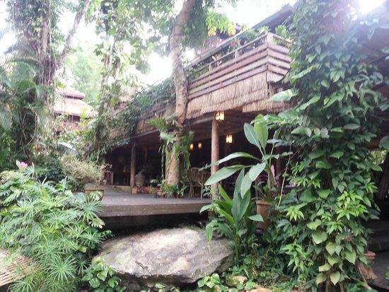 Sukantara Cascade Resort & Spa : Terrace loby restaurant