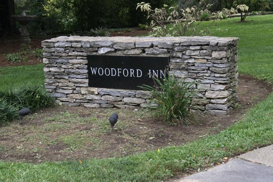 The Woodford Inn: Lovely greeting