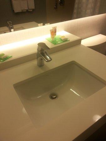 Bath/vanity