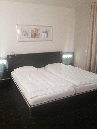 Hotel St. Josef: Comfy bed