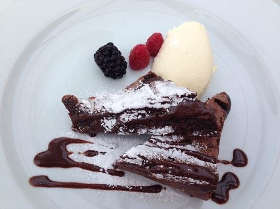 Amelies: Choc pudding - so delish! Ooops - we were fighting over it!