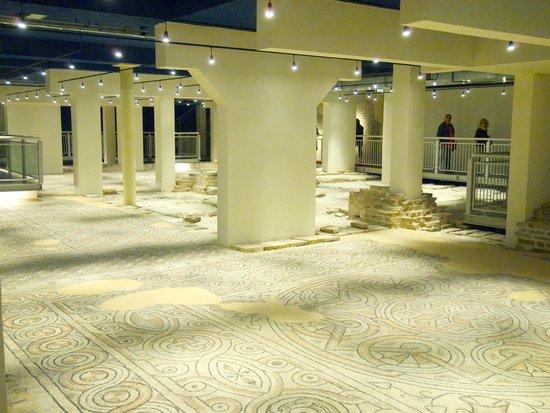 Domus dei Tappeti di Pietra : The view of the room.