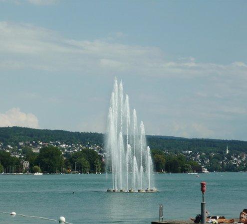Seebad Enge: цюрихский фонтан