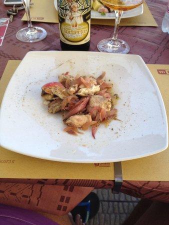 Lampegusto: Insalata di Palombo con cipolle caramellate