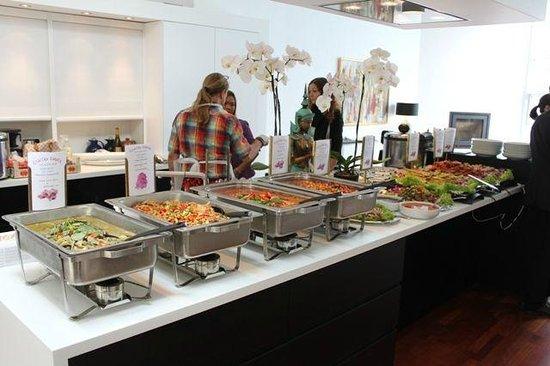 Restaurant Eastern Corner: vip buffet bestilt til fødselsdag med personale