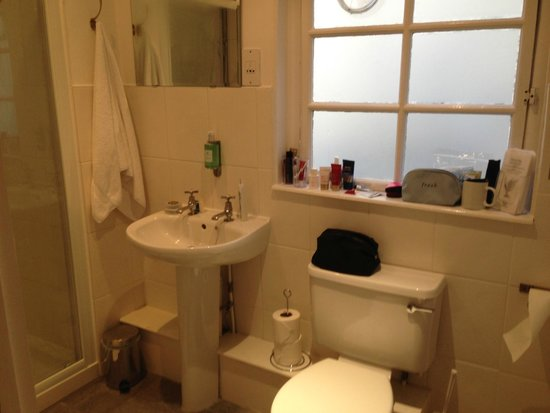 Three Abbey Green: Bathroom in Lilliput
