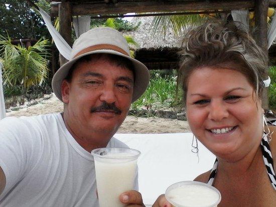 Mr Sanchos Beach Club Cozumel: At our Cabana enjoying a Pina Coloda
