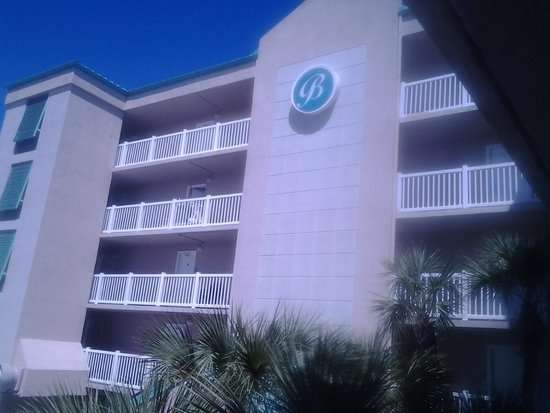Boardwalk Inn and Suites: outside of building