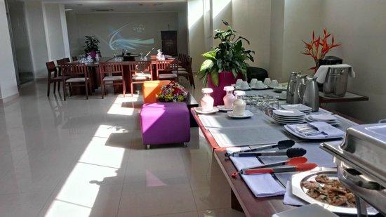 Foto de hotel living barinas sal n de eventos y negocios - Decoracion en valencia ...