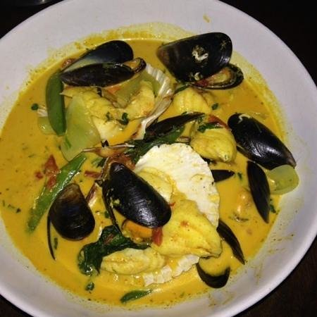 Kingswood Bar & Restaurant: Thai scallop & monkfish Curry