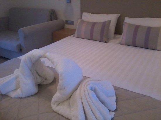 Triton Bungalows & Rooms